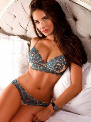 Girl Escort Nina & Call Girl in Moscow